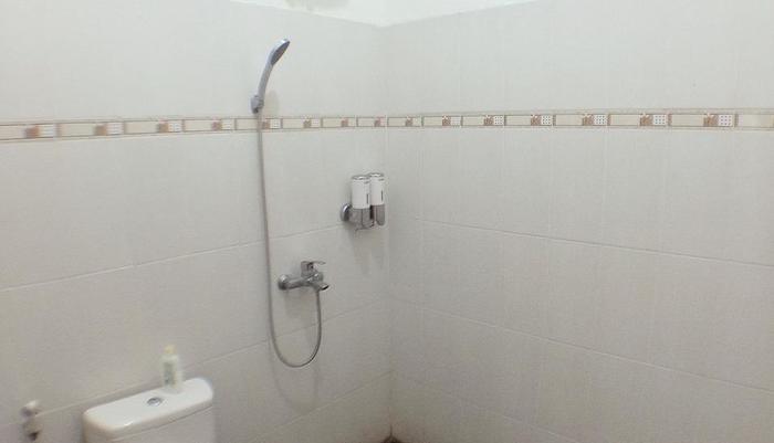 Dahlia Guest House Yogyakarta - kamar mandi