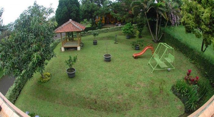 Villa Chava Minerva Istana Bunga Lembang - Taman Bermain Anak
