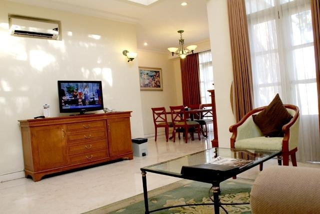 Ciputra Golf Club & Hotel Surabaya - Executive Living Room 2