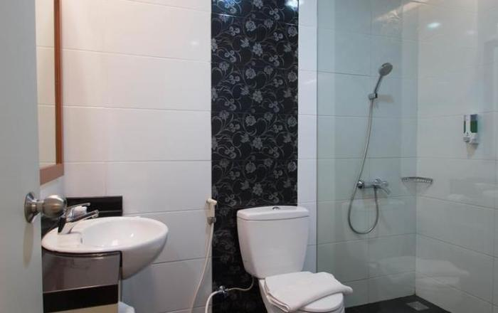 Hotel Trio Indah 2 Malang - Toilet