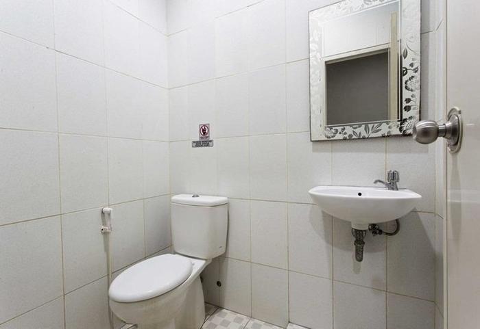 RedDoorz @Mangga Besar 2 Jakarta - Kamar mandi