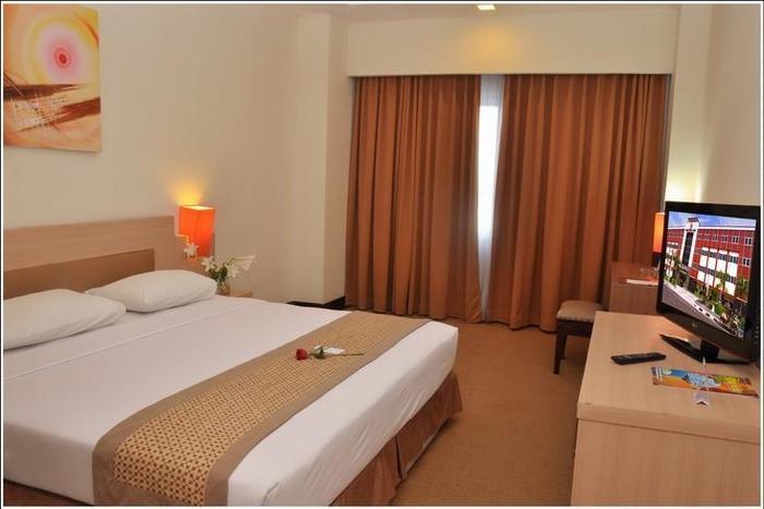 Abadi Hotel Jogja - Superior (05/Feb/2014)