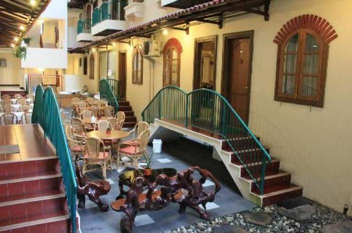 Hotel Surya Asia Wonosobo - Taman