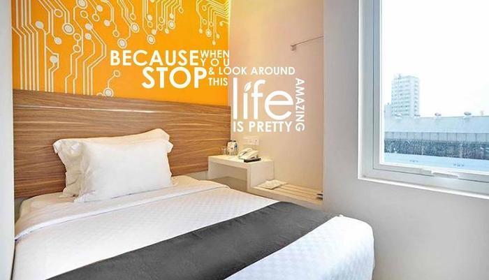 The Life Hotels Surabaya - fun room