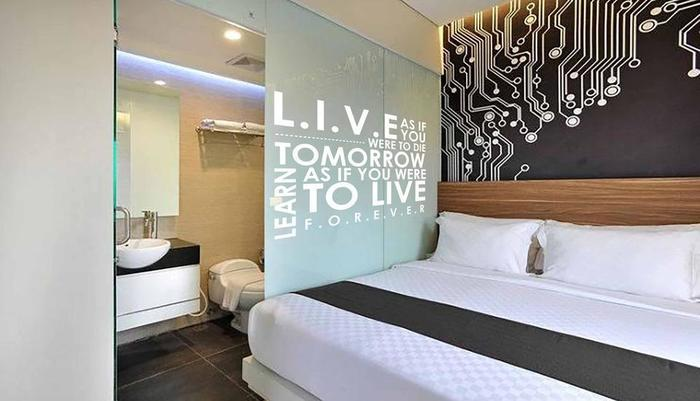 The Life Hotels Surabaya - Happy Room