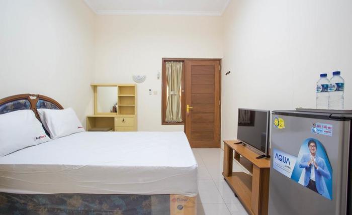 RedDoorz @ Bekasi Timur Bekasi - Kamar tamu