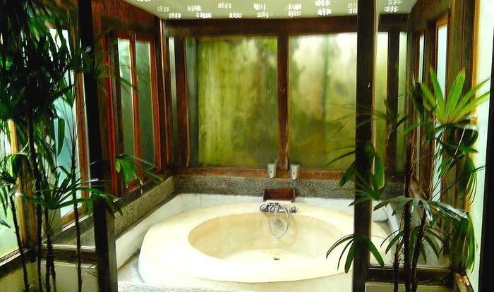 Sapu lidi Resort Hotel Bandung - Kamar mandi