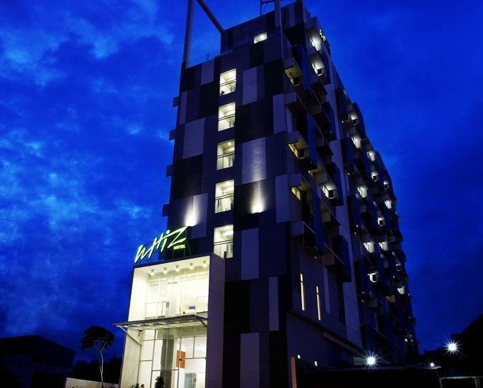 Whiz Hotel Semarang - Penampangan Luar