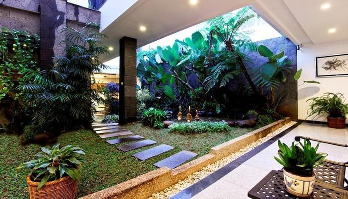 Sweet Karina Hotel Bandung - Garden View
