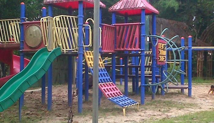 Wening Griya Guest House Semarang - Taman Bermain Anak