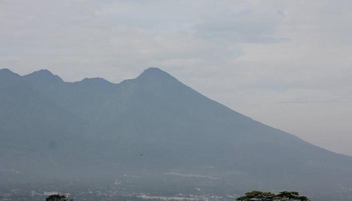 Hotel D'Anaya Bogor - Pemandangan Gunung Salak