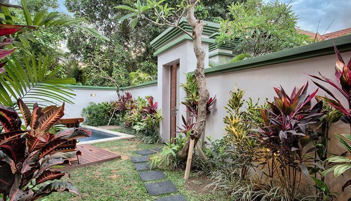 Villa Tukad Alit Bali - Dining Area and Kitchen 2 BR Villa