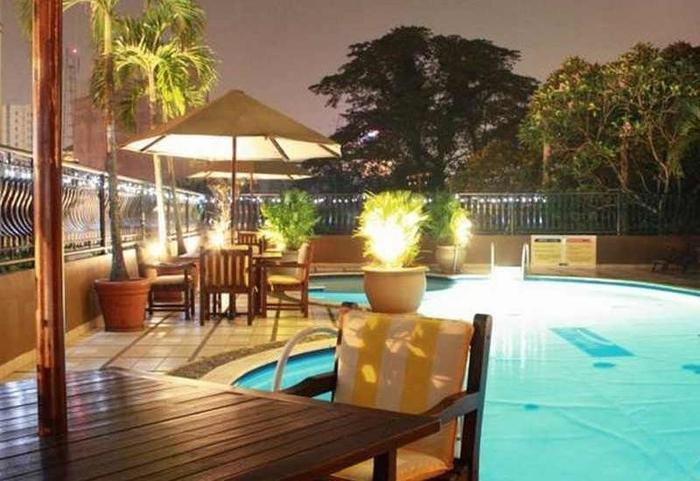 Travellers Suites Medan - Pool