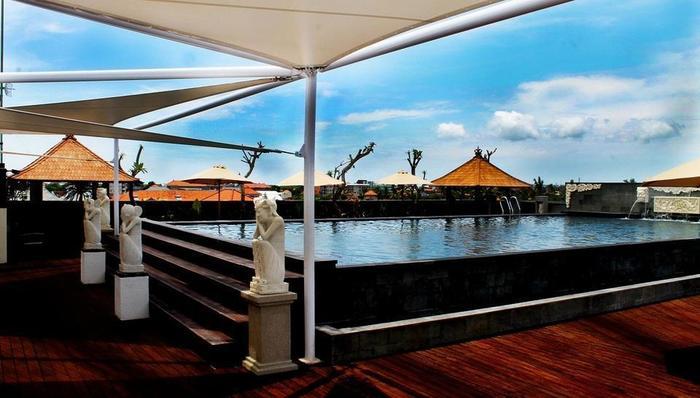 Grand Hardys Hotel Kuta - Roof Top Swimming Pool 2