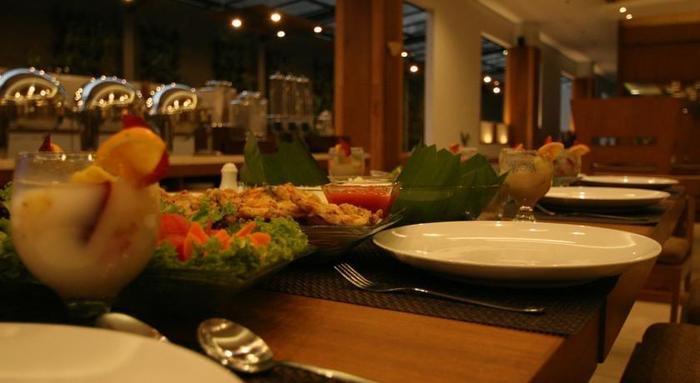 Hotel Hemangini Bandung - Perjamuan