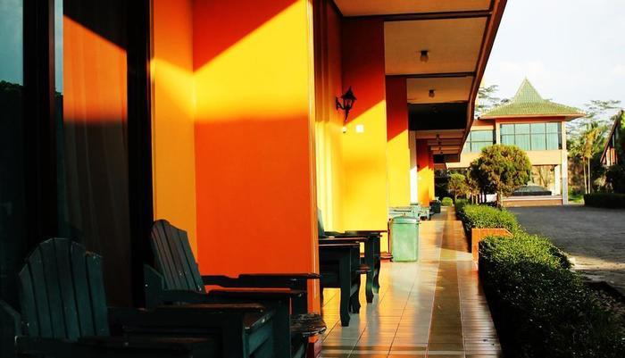 Hotel Borobudur Indah Magelang - TERAS