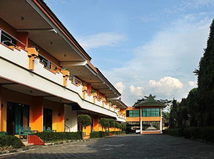 Hotel Borobudur Indah Magelang - TAMPAK LUAR HOTEL