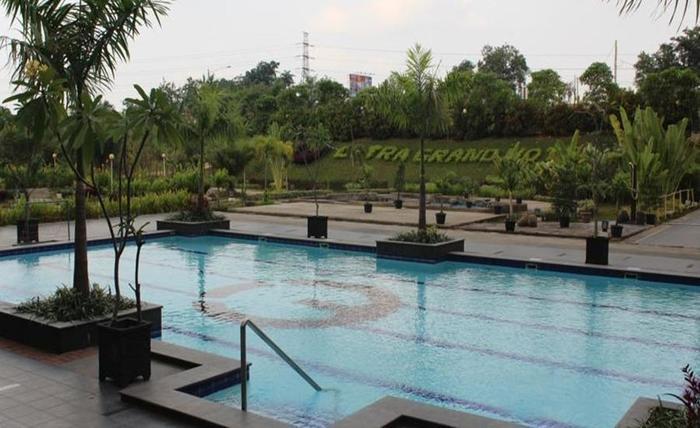 Citra Grand Hotel & Residence Karawang - Kolam Renang