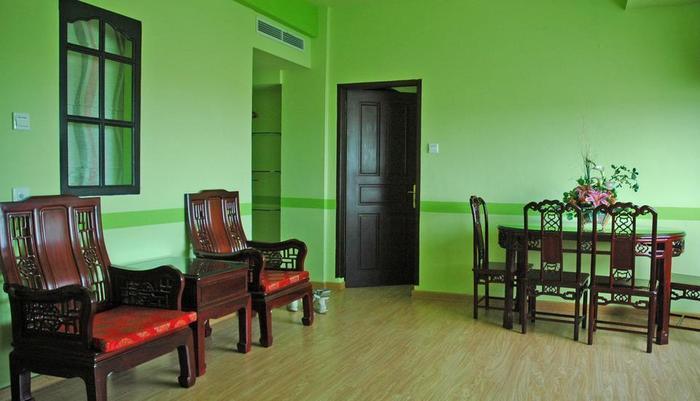 Hotel Citi International SunYatSen Medan - Ruang Tamu Family Suite