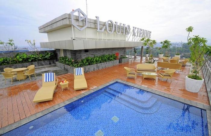 Louis Kienne Hotel Pandanaran Semarang - Kolam Renang