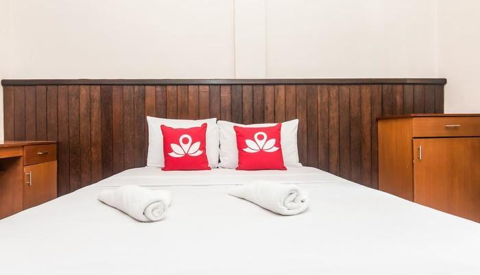 ZenRooms Kedonganan Pengeracikan - Tampak tempat tidur double