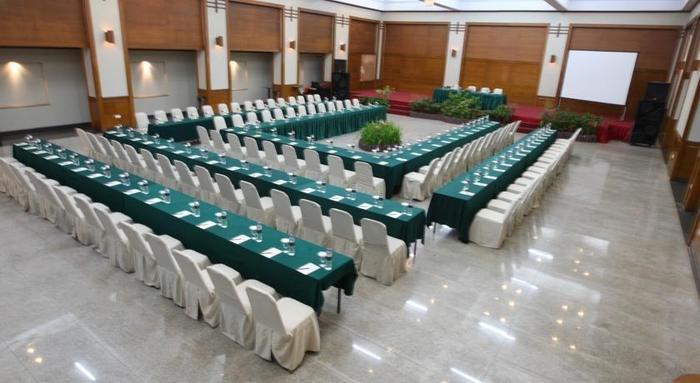Makassar Golden Hotel Makassar - Meeting Room
