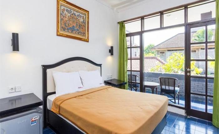 RedDoorz Near Beachwalk Kuta Bali - RedDoorz Room