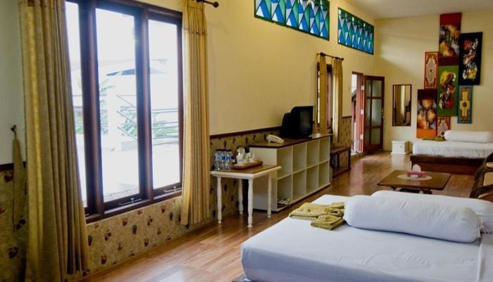 Hotel Gradia 2 Malang - Family 6