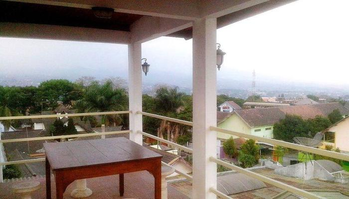Hotel Gradia 2 Malang - Top floor view