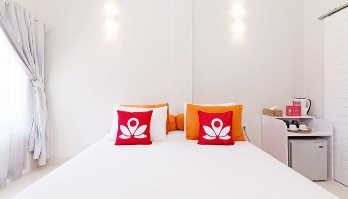 ZenRooms Gili Trawangan Semampar Lombok - Tampak tempat tidur double
