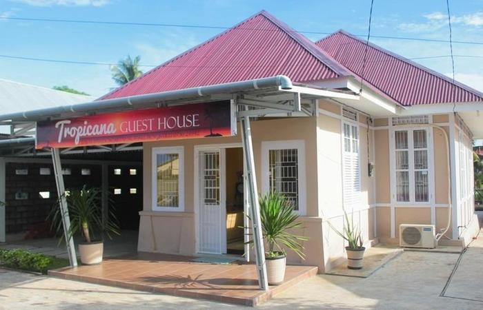Tropicana Guest House Bengkulu - Eksterior