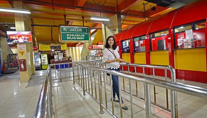 Whiz Hotel Falatehan Jakarta Jakarta - Busway
