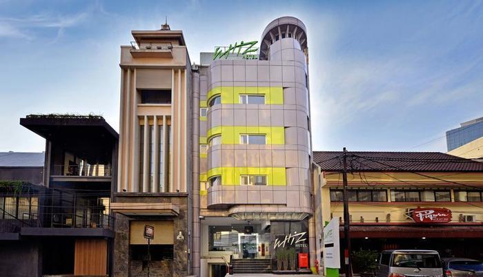 Whiz Hotel Falatehan Jakarta Jakarta - facade