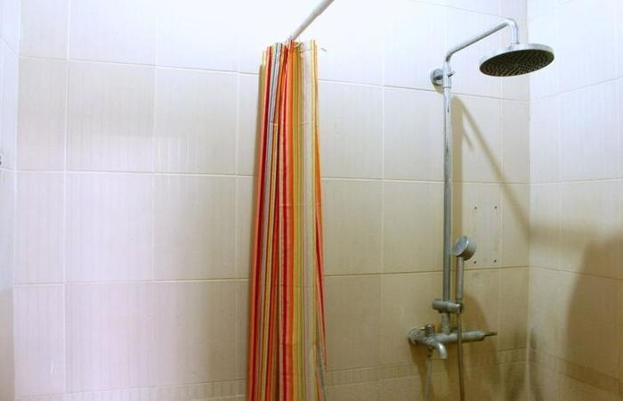 Victory Guesthouse Jogja - Bathroom