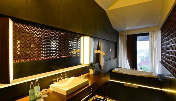 IZE Seminyak Bali - Club Suite
