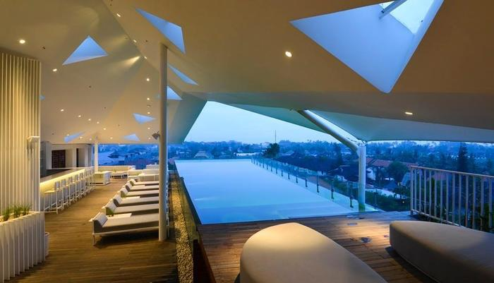 IZE Seminyak Bali - Roof Top