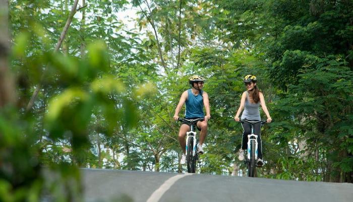 Ayana Bali - Bersepeda