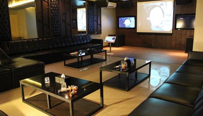 Swiss-Belinn Karawang Karawang - swiss karaoke - room