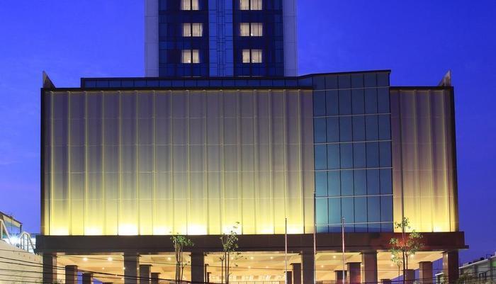 Swiss-Belinn Karawang Karawang - Hotel Exterior