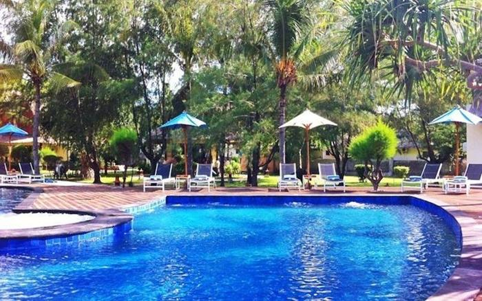 Oceano Jambuluwuk Resort Lombok - Kolam Renang