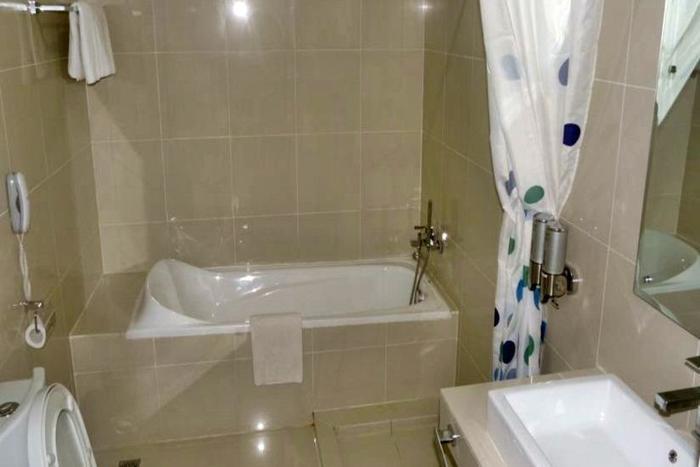 Hotel Victoria River View Banjarmasin - Kamar mandi