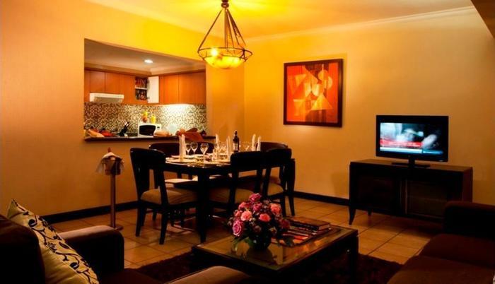 Grand Tropic Jakarta - Suite Keluarga