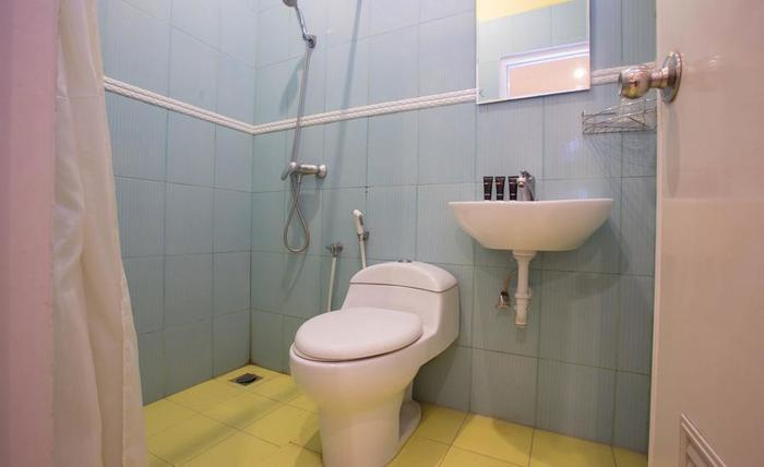 RedDoorz @Kramat Jakarta - Kamar mandi