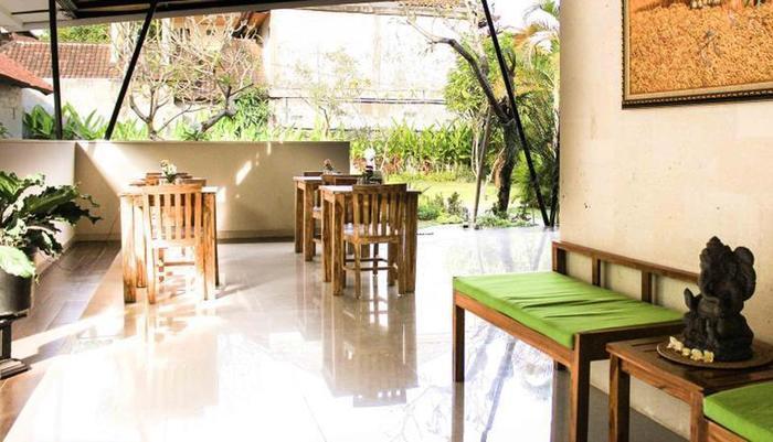 ZenRooms Legian Benesari 2 - Restoran