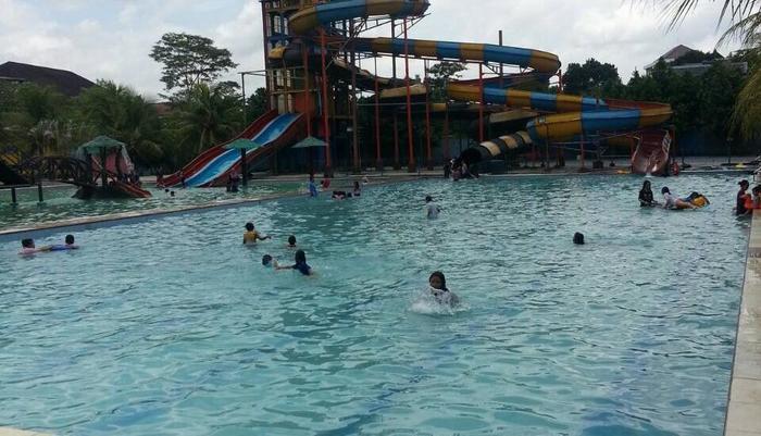 Palapa Hotel Purwokerto - Waterboom