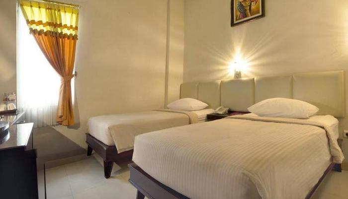 Hotel Central Kudus - Room