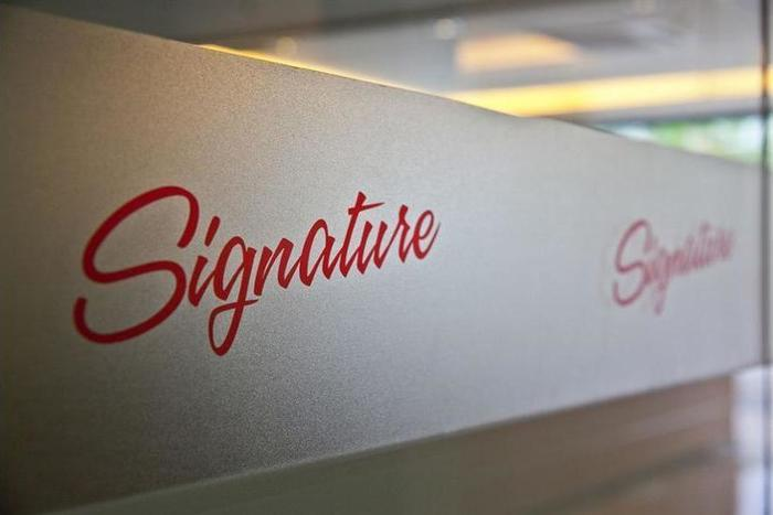 Dengan Bermalam Di Signature Hotel KL Sentral Bangsar Kuala Lumpur Anda Hanya Beberapa Menit Dari Dan Dekat Petaling Street