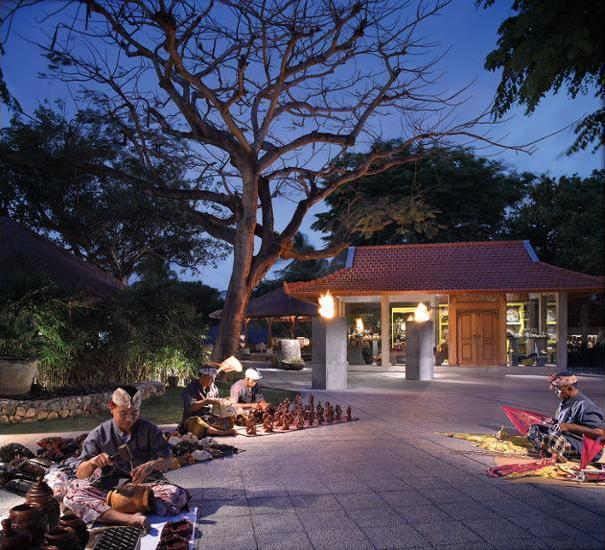Grand Hyatt Bali - Arcade