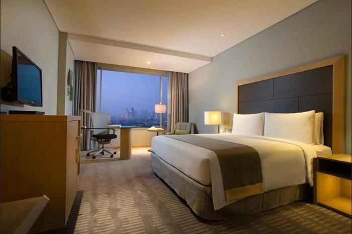 Holiday Inn Kemayoran Jakarta - Hotel Front - Evening/Night