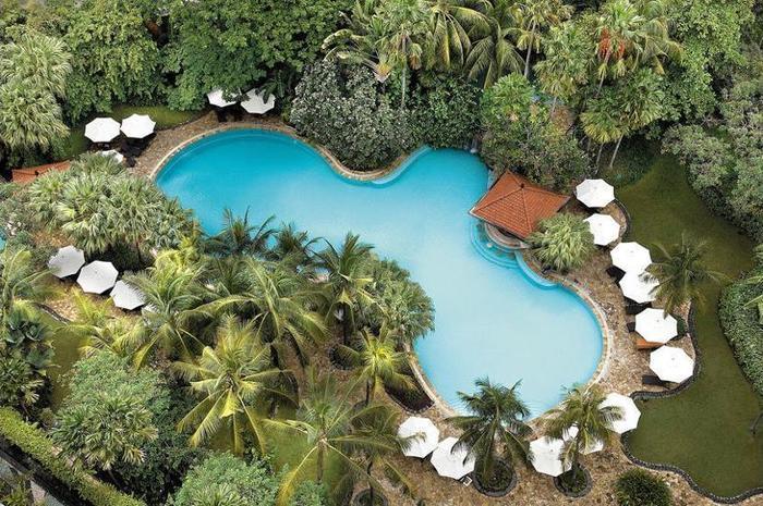 Shangri-la Surabaya - Outdoor Pool